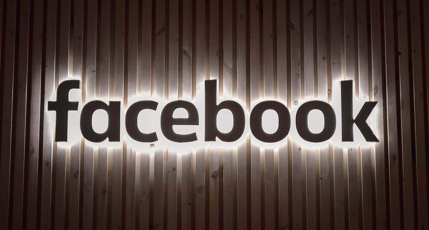 Facebook Logo Sign - How to Use Facebook Ads Tips